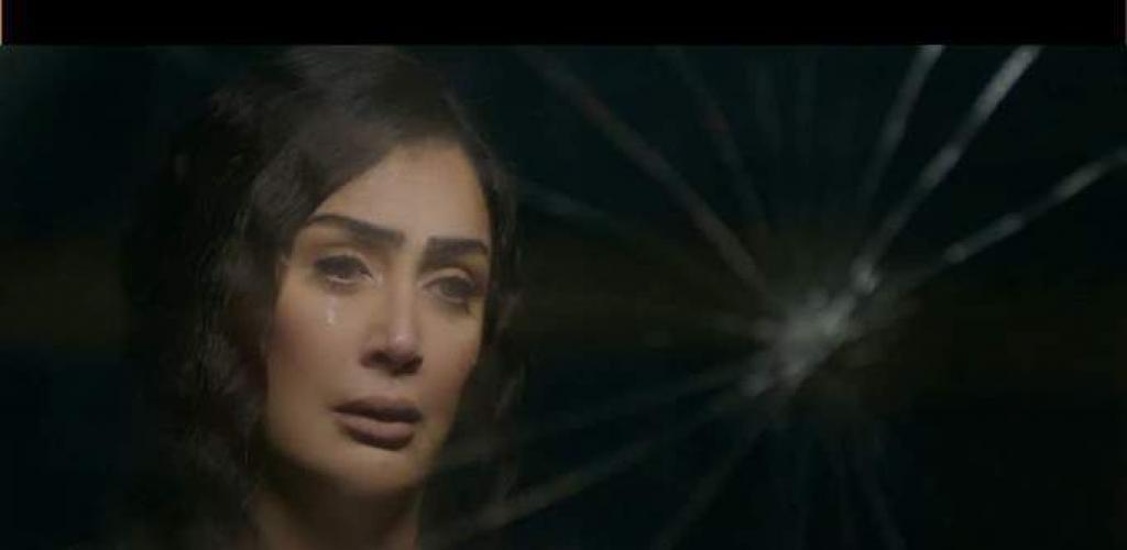 «قدام مرايتها».. غادة عبدالرازق تبكي وتتذكر الماضي في الحلقة الأولى من «لحم غزال»