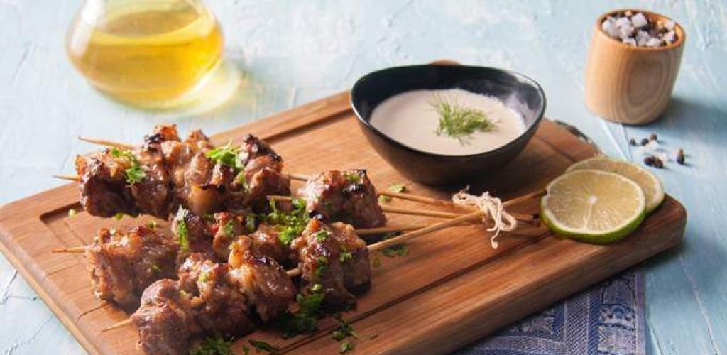 من المطبخ التونسي.. طريقة عمل الكباب الضاني