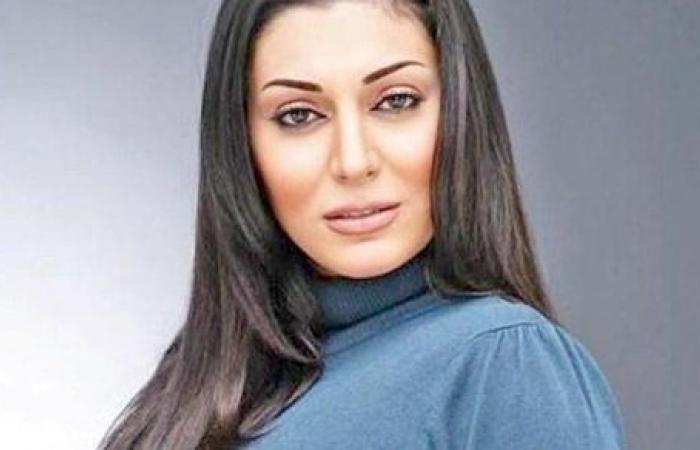 راح اشتقلك تيتا.. وفاة جدة الفنانة مايا نصرى