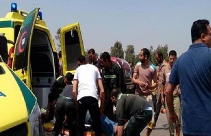 بالأسماء.. إصابة 3 أشخاص في تصادم سيارة بأحد أرصفة الطريق الدائري بالإسماعيلية