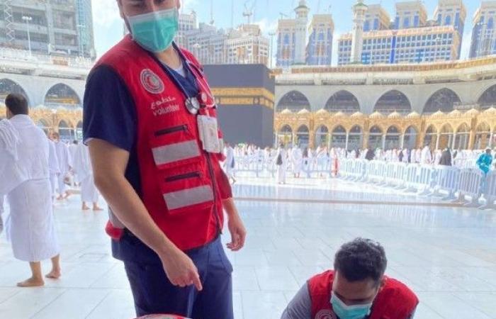 متطوعو ومتطوعات الهلال الأحمر يباشرون عددا من البلاغات الإسعافية في الحرم المكي