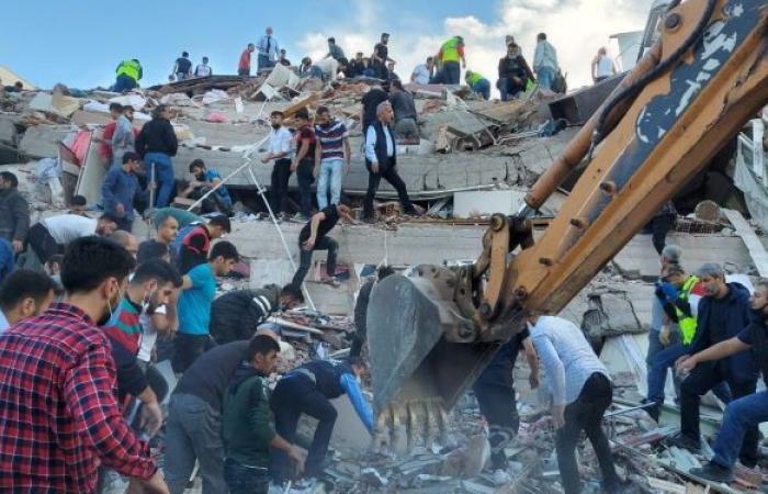 زلزالان متتاليان بقوة 5.1 درجة يضربان إزمير غربي تركيا