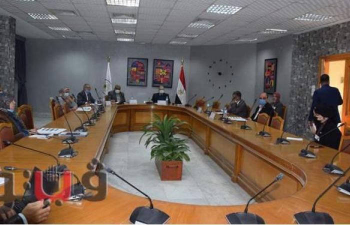 استكمال المقابلات الشخصية لمرشحي مسابقة الموظف المثالى بجامعة حلوان