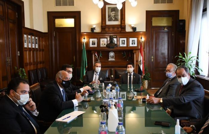 وزير الشباب والرياضة يشهد توقيع عقد رعاية بنك مصر والاتحاد المصرى للتنس