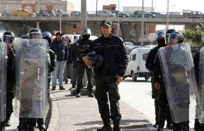تهديدات بانتحار جماعي للعاطلين في تونس
