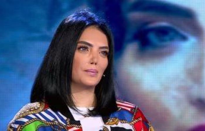 رانيا محمود ياسين تدعو لحورية فرغلي : يا رب يشفيكى يا أحلى أخت