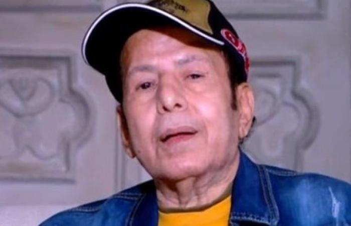 تدهورت صحته.. نقل الفنان عادل الفار للرعاية المركزة