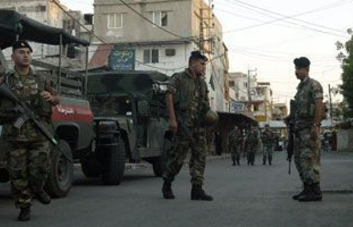 الجيش اللبنانى يعتقل 18 لبنانيا وسوريا على صلة بتنظيم داعش
