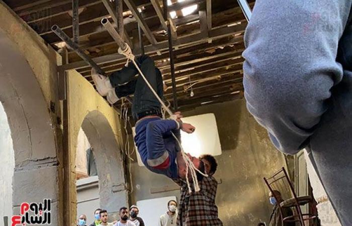 """ننشر صورا حصرية لهروب محمد إمام فى كواليس مسلسله """"النمر"""" لرمضان المقبل"""