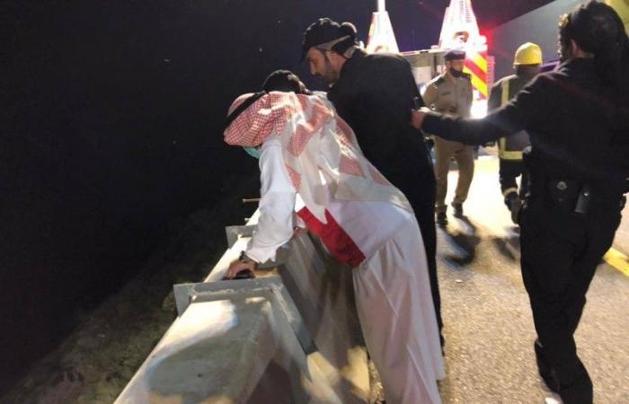 الباحة: «انقلاب» يتسبب في وفاة و3 إصابات