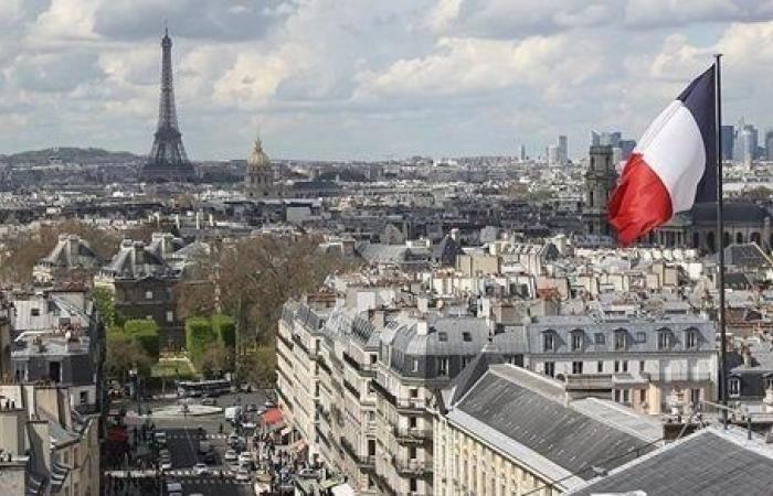 فرنسا تسجل 455 وفاة و4347 إصابة جديدة بكورونا