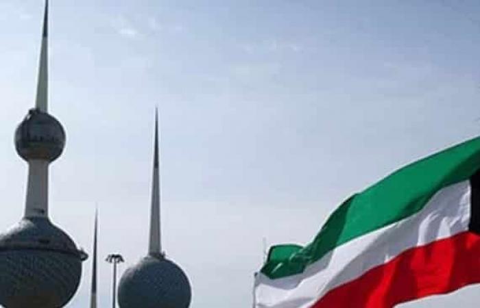 الكويت تقرر إغلاق مراكز التسوق والمطاعم الـ 8 مساء