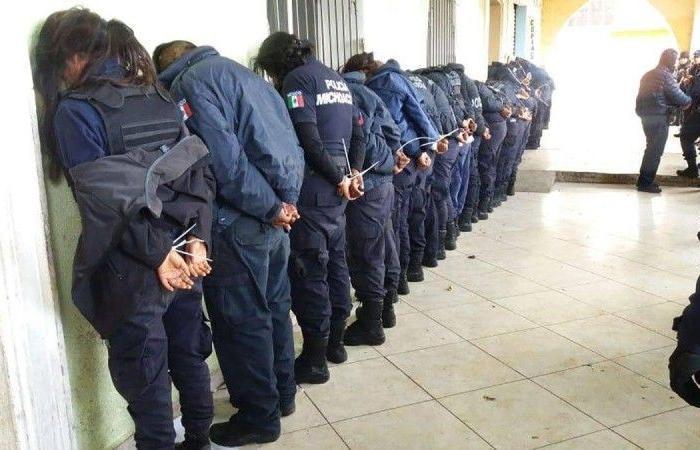 اكتشفوا 19 جثة متفحمة فقبضوا على الشرطة