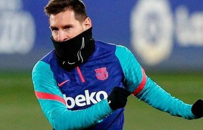 ميسي يقود تشكيل برشلونة أمام غرناطة في كأس ملك إسبانيا