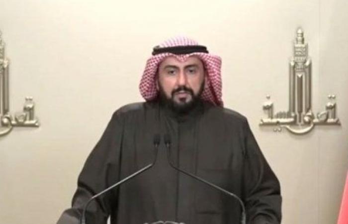 الأمور تخرج عن السيطرة.. تحذير شديد اللهجة من وزير الصحة الكويتي بشأن كورونا