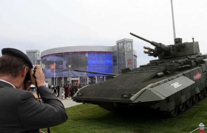 روسيا تعرض للعالم أحدث دبابة في دولة عربية