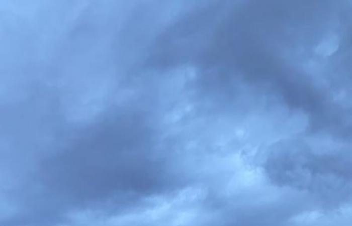 أمطار غزيرة وبرد على تبوك