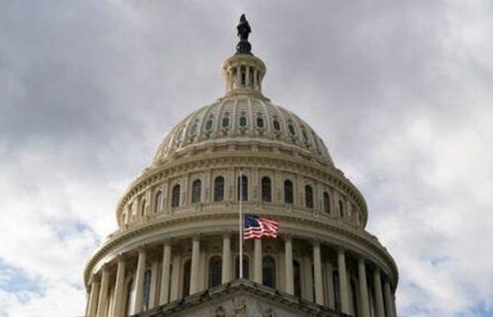 الكونجرس يوصي بايدن بمراجعة الانسحاب من أفغانستان