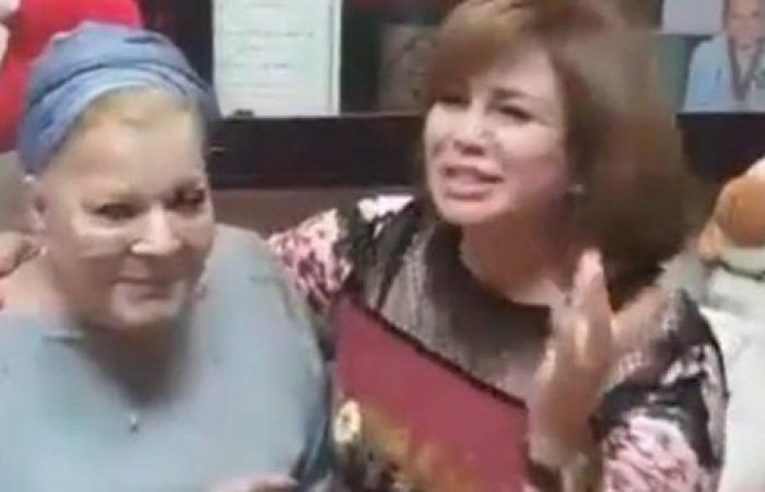 مالهاش مثيل .. الهام شاهين تحيي الذكرى الأولى لوفاة نادية لطفي.. فيديو