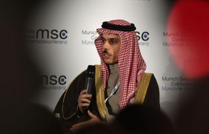 بعد قرار بايدن المفاجئ... ماذا دار في أول اتصال بين وزيري خارجية أمريكا والسعودية