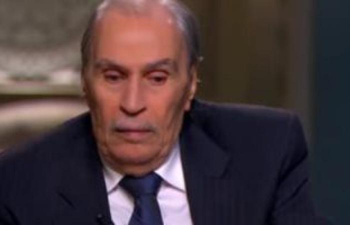 """عمرو أديب ناعيًا عزت العلايلي: """"كان مثقفا وصاحب رأى وأتحفنا بفنه"""""""