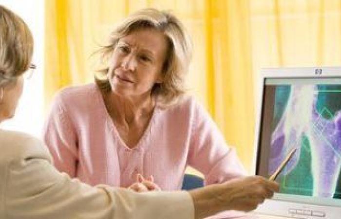 أعراض الإصابة بهشاشة العظام أبرزها ألم الظهر