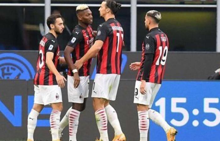 ميلان يستدرج كروتوني لخطف صدارة الدوري الإيطالي.. اليوم