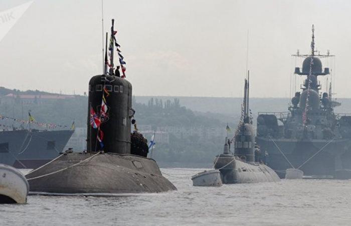 """روسيا تبلغ إيران عزمها إجراء مناورات """"متعددة الأطراف"""" في المحيط الهندي"""