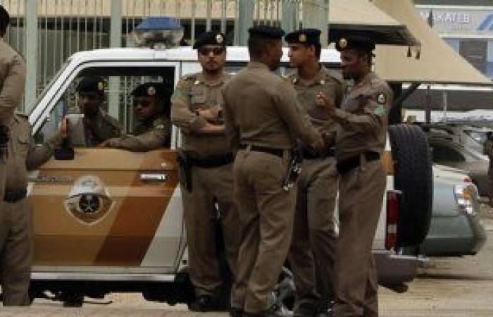 الشرطة السعودية تضبط أربعة أشخاص تاجروا بالعملة المزيفة