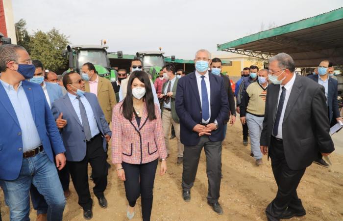 وزيرا التعاون الدولى والزراعة يسلمان مزراعى الفيوم والمنيا 324 معدة زراعية