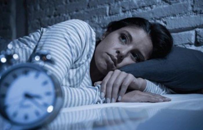 وفقا لمعالج نفسي.. نصيحة بسيطة للتخلص من الأرق والتفكير المفرط قبل النوم