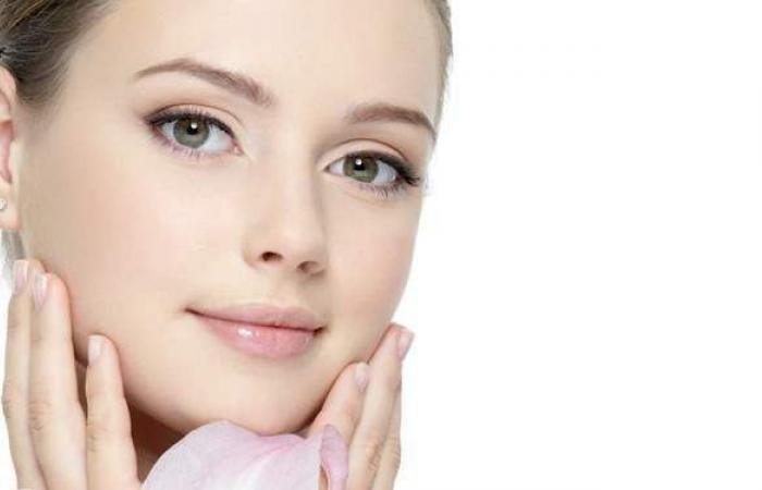 4 عادات يومية تدمر بشرتك.. احذريها