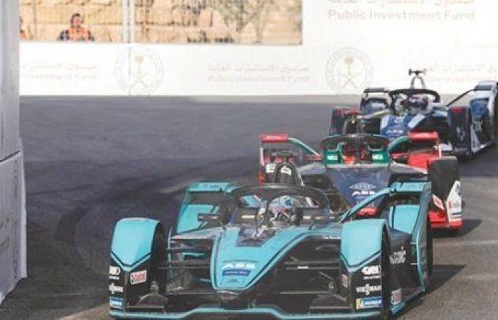 """السعودية تحتفل بسباق الجائزة الكبرى للفورمولا 1 على كورنيش جدة """"صور"""""""