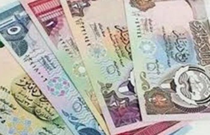 اقتصاد الكويت.. الدولار الأمريكي يستقر أمام الدينار واليورو يرتفع