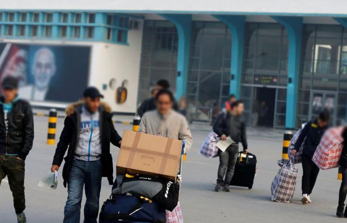 وصول 26 أفغانيًّا إلى كابول بعد ترحيلهم من ألمانيا