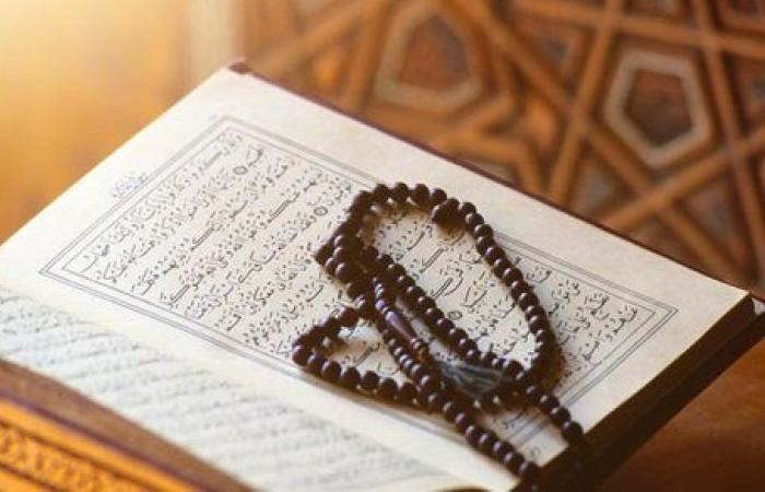 هل قراءة القرآن من الموبايل لها نفس ثواب المصحف؟.. الإفتاء تجيب