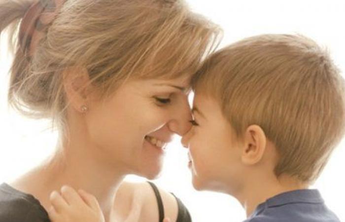 اعرف أهمية العاطفة فى حياة طفلك وتأثيرها عليه