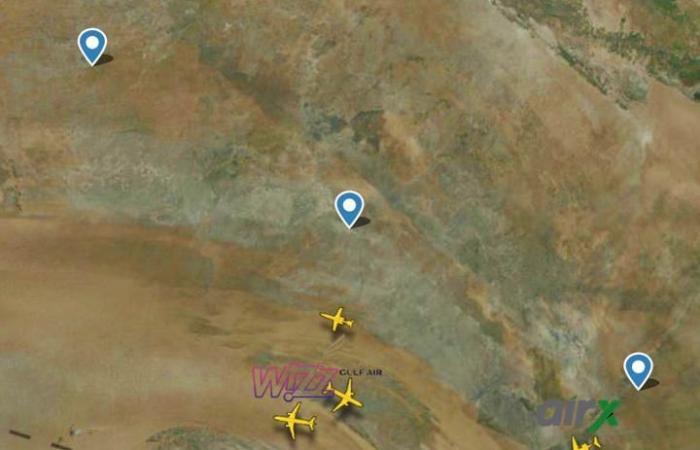 ننشر صور طائرة بعثة الأهلى فى المجال الجوى قبل وصولها مطار القاهرة