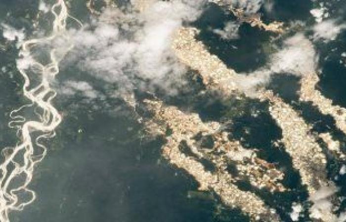 محطة الفضاء الدولية تكشف بصورة أنهار الذهب فى غابات الأمازون