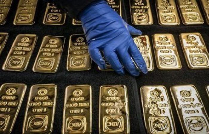 تراجع أسعار الذهب وصعود الدولار | تفاصيل
