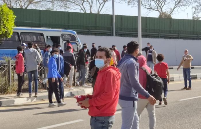 الجماهير في المطار لاستقبال بعثة الأهلي بعد حصد برونزية المونديال.. صور