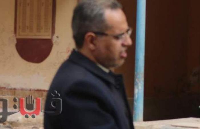 محافظ مطروح يقدم واجب العزاء لأسرة الفنان علي حميدة