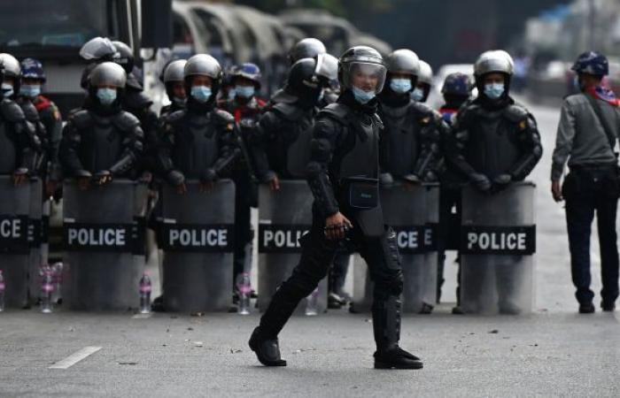 الحكام العسكريون في ميانمار يوجهون أمرا للموظفين