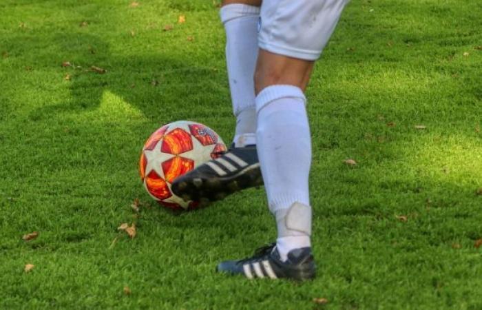 سوريا... تعرض حكم كرة قدم للضرب من لاعب الفريق
