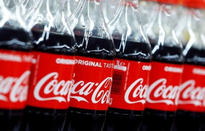 """شركة """"كوكا كولا"""" تبدأ بيع المشروبات في عبوات ورقية"""