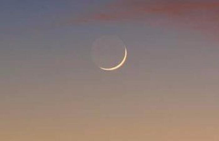 هلال رجب يزين سماء مصر الليلة ويرصد بسهولة بالعين المجردة