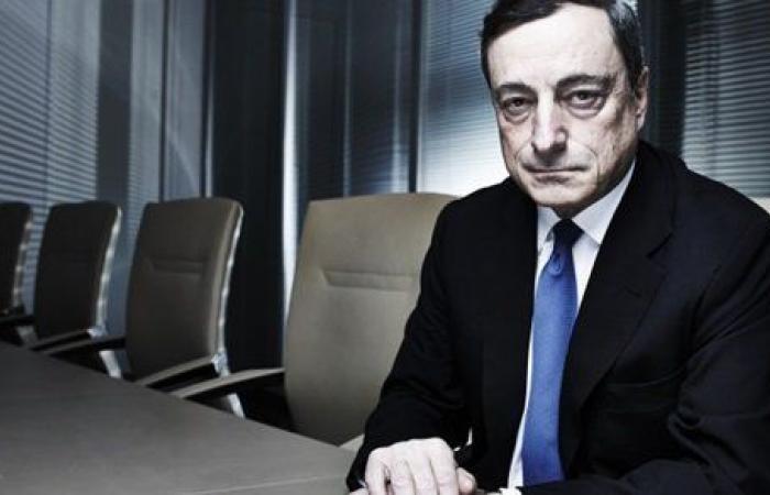 رئيس وزراء إيطاليا الجديد يؤدي اليمين الدستورية