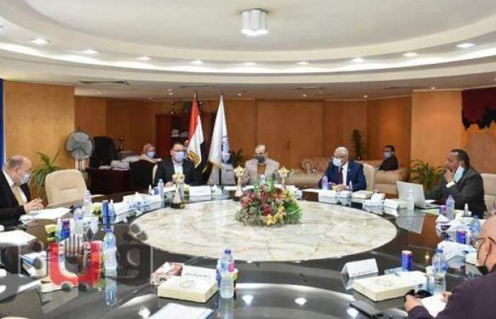 محافظ الشرقية يُشارك إجتماع مجلس إدارة المعهد التكنولوجي بالعاشر