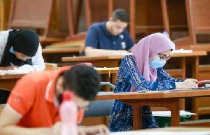 جامعة القاهرة تستعد لامتحانات الترم الأول.. والخشت يشدد على الإجراءات الاحترازية