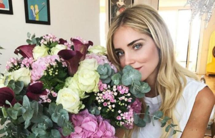 Valentine.. نجمات فضلت الورود لإضفاء روح الرومانسية على صورهن